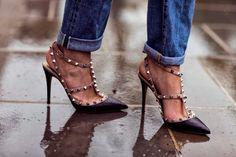 DF FIND ❖ VALENTINO ROCKSTUD HEELS http://departementfeminin.com/en/shoes/all-shoes/1576-black-rockstud-heels.html (Camille over the rainbow)