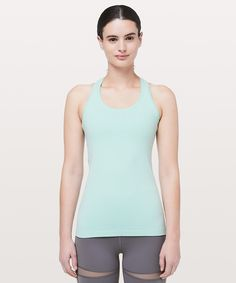 1e3de1fc0e08b Old Navy Women s Relaxed Lightweight Cross-Back Performance Tank ...