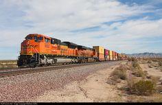 RailPictures.Net Photo: BNSF 8552 BNSF Railway EMD SD70ACe at Bannock, California by Matthew Griffin