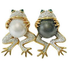 Frog Couple Brooch set with South Sea Pearls and Diamonds