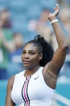 Tennis Superstar Serena Williams attending the 2019 Australian Open. Serena Williams Biography, Serena Williams Photos, Serena Williams Tennis, Venus And Serena Williams, Tennis Players Female, Female Gymnast, Famous Celebrities, Curvy Outfits, Female Athletes
