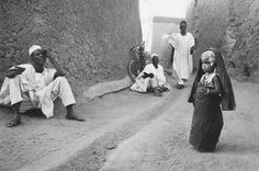 """yagazieemezi: """" POPULAR POST 2013 PHOTOGRAPHY OF AFRICA Marc Riboud born in 1923 in Lyon, took his first pictures in 1937 using a small vest-pocket camera gifted to him by his father. Marc Riboud, Nigeria Independence, Long Pictures, Become A Photographer, Princess Alexandra, Moving To Paris, French Photographers, Magnum Photos, Where The Heart Is"""