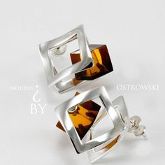 Looking for a more modern take to Jewelry this year? We suggest you take a look at our Ostrowski collection featuring crystal of amber set in silver! Luxury Life, Luxury Branding, Style Guides, Amber, Jewelry Design, Gemstones, Photo And Video, Crystals, Portal