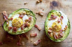 Receta => Huevos al horno con aguacate