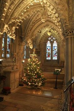 Rosslyn Chapel looking beautifully festive. Founded in 1446, Rosslyn Chapel took 40 years to complete and its ornate stonework and symbolism have inspired - and intrigued – visitors ever since. A new visitor centre tells the story from its medieval origins <3