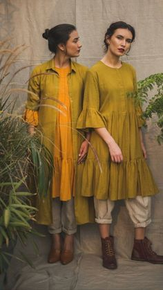 Beautiful linen-khadi Kurtis with western +traditional silhouettes. Stylish Dresses, Casual Dresses, Fashion Dresses, Women's Fashion, Kurti Designs Party Wear, Kurta Designs, Indian Designer Outfits, Indian Outfits, Casual Indian Fashion