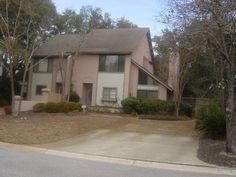 A cute little two bedroom in Mt. Pleasant,    SC.