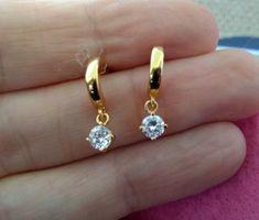Dainty Diamond Earrings in Solid Gold / Chevron Earrings / V Stud Earrings / Delicate Diamond Studs / Graduation Gift - Fine Jewelry Ideas Small Gold Hoop Earrings, Gold Earrings Designs, Kids Earrings, Gold Jewellery Design, Stud Earrings, Pierced Earrings, Chandelier Earrings, Gold Designs, Gold Diamond Earrings