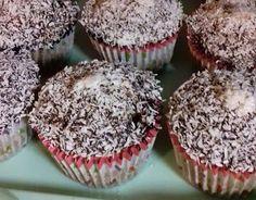 Fincsi receptek: Kókuszkocka muffin, mióta ezt a receptet kipróbáltuk, hetente el kell készítenem! Torte Cake, Cupcakes, Breakfast, Food, Places, Morning Coffee, Meal, Cupcake, Essen