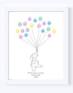 Eine süße Druck einer Hand gezeichnet Elefanten hält Luftballons, die Daumen Drucke von Familie und Freunden bestehen. Ein schönes Andenken für gemütliche Baby und eine nette Ergänzung für jedes Kinderzimmer! Jedes Familienmitglied oder Freund setzt einfach ihren Fingerabdruck am Ende
