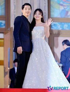 Song Joong Ki & Song Hye Kyo at 52nd BaekSang Awards