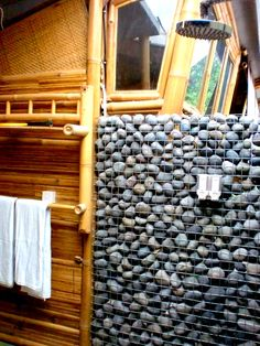 Gabion sytle exterior wall by shower area