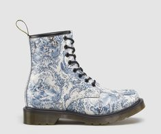 Dr Martens 1460 Boot - Right View