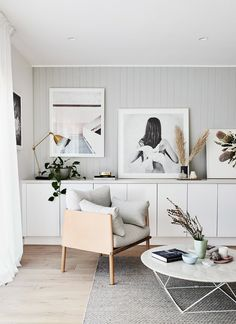 In Scandinavian style home, built-in storage hides books, toys and homework clutter, while also acting as a surface for displaying artworks. Living Room Grey, Small Living Rooms, Living Room Designs, Living Room Decor, Modern Living, Scandi Living Room, Small Bedrooms, Decor Room, Minimalist Living