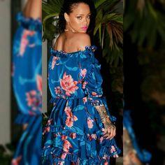 Rihanna 2017 blue floral dress, pink lipstick makeup