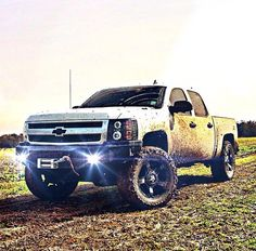 """2011 Silverado LT. 20"""" Rockstar 2's with Color matched stars. Open Country MT's. 5 inch RCX Lift with level. K&N air intake, diablo programmer, straight pipes with 5 inch tips. transformer edition CCFL halos, 6k HIDs, Far Four Bumper, smoked Spyder tail lights, removed door moldings, hidden tractor spotlights. 2 kenwood 10's with 1000w kenwood amp, LEDs, stealth box, weather tech floor mates. Strobes, Hornblasters PA system, escort radar detector, 2% window/back glass, 20% windshield, 1%…"""