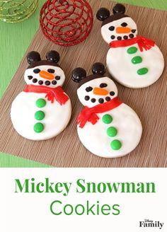 'Tis the season to bake up a storm!   Whether you're preparing for a holiday party or spending some quality time with the family, these Mickey Mouse snowman cookies are sure to delight.