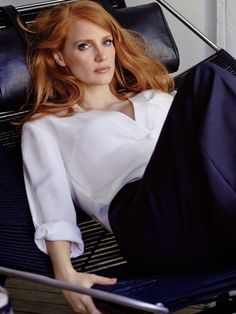 thewallgroup: Jessica Chastain photographed by Giampaolo Sgura for InStyle, January Hair by Renato Campora. Jessica Chastain, Actress Jessica, Corte Y Color, Gorgeous Redhead, Actrices Hollywood, Strawberry Blonde, Tips Belleza, Ginger Hair, Most Beautiful Women