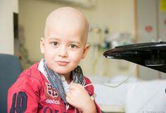 Los padres de niños con cáncer reclaman más tiempo en las UCI pediátricas