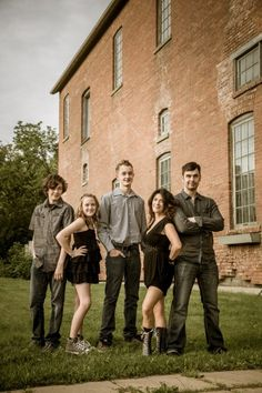 Digital Photography School » 10 Tips for Creating Great Family Portraits