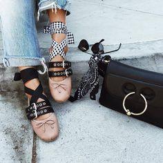 Esos zapatos tan de moda… que jamás me convencieron  – M A L V E S T I D A