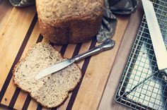 Easy peasy 100% whole wheat bread for your bread machine. Delicious, easy and always fluffy.