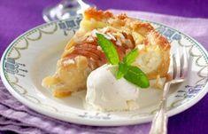 Vår ljuvliga päronpaj med mandel och mascarpone är så god att den smälter i munnen.