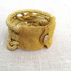 #734 | Fake metal chain, handmade crocheted bracelet with vi… | Flickr