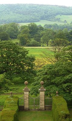 archidave Beyond the garden gate. Barrow Court, Somerset, England And what a gate! Beautiful Landscapes, Beautiful Gardens, English Countryside, English Manor, English House, Garden Gates, Dream Garden, The Places Youll Go, Garden Inspiration