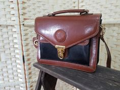 Vintage Marchino faux leather shoulder bag Boho Kimono, Inside Bag, Real Leather, Leather Shoulder Bag, Satchel, Zip, Bags, Vintage, Handbags