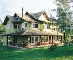 21 fachadas com telhado em evidência - Casa