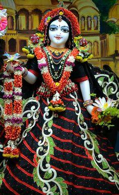 Radhe Krishna, Deities, Harajuku, God, Style, Fashion, Dios, Swag, Moda