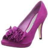 Shop a selection of purple wedding shoes in shades ranging from lavender to eggplant. For wedding, party, or special occasion. Purple Wedding Shoes, Purple Suede, Glamour, Wedding Looks, Suede Shoes, Platform Pumps, Wedding Accessories, Me Too Shoes, Peep Toe