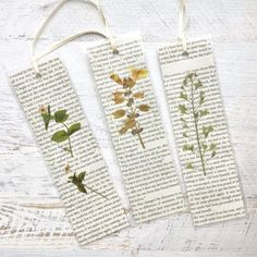 Made from pressed California wildflowers and pages fro Jane Austen Romantic Pressed Flower Bookmarks. Made from pressed California wildflowers and pages fr Creative Bookmarks, Diy Bookmarks, How To Make Bookmarks, Homemade Bookmarks, Vintage Bookmarks, Corner Bookmarks, Crochet Bookmarks, Art Floral, Diy Marque Page