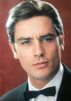Alain Delon...How handsome can you possibly be?!