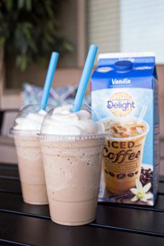 Homemade Frosted Coffee Homemade Frosted Coffee - the perfect coffee treat for the summer! Homemade Frosted Coffee Homemade Frosted Coffee - the perfect coffee treat for the summer! Iced Coffee Drinks, Coffee Drink Recipes, Starbucks Recipes, Homemade Iced Coffee, Coffee Milkshake, Dunkin Donuts Frozen Coffee Recipe, Blended Coffee Recipes, Healthy Iced Coffee, Iced Coffee At Home