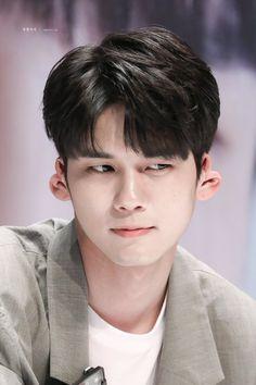 What Ong Seung Woo, Kpop, Young Fashion, Ji Sung, Seong, Guys, Celebrities, Produce 101, Korean