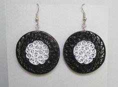 Boucles d'oreilles quilling cercles de noir et par BarbarasBeautys, $14.00