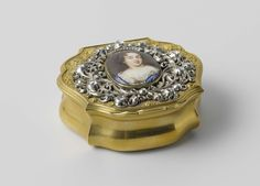 Snuifdoos met borstjuweel met portret van koningin Mary, Henri La Pierre, anoniem, anoniem, ca. 1680 - ca. 1690