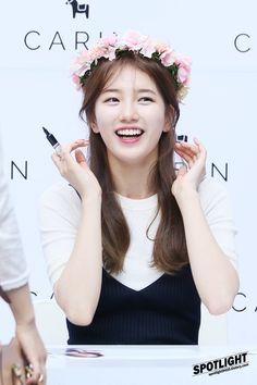 Bae Suji (배수지) news — 160618 Carin fansign Cute Korean, Korean Girl, Beautiful Asian Girls, Most Beautiful Women, Korean Beauty, Asian Beauty, Miss A Suzy, Bae Suzy, Seolhyun