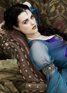 Angel Coulby as Guinevere and Katie McGrath as Morgana in Merlin. Angel Coulby as Guinevere in Merlin. Angel Coulby as Guinevere . Katie Mcgrath, Betty Boop, Larp, Morgana Le Fay, Merlin Morgana, Emrys Merlin, Lena Luthor, Medieval Dress, Medieval Life