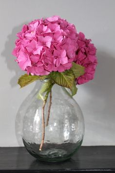 Stunning rounded vase crafted using recycled glass, by Garden Trading. Vase Crafts, Recycled Glass, Glass Vase, Recycling, Garden, Home Decor, Products, Homemade Home Decor, Garten