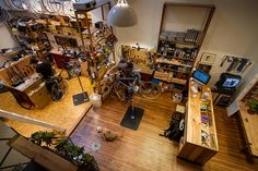 Nice Shop Layout - Huckleberry Bicycles Service Dept
