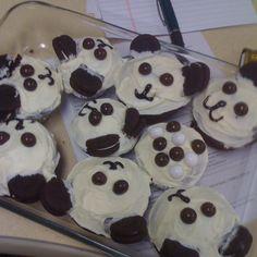 Panda cupcakes by Shaunessy Panda Cupcakes, Nom Nom, Pudding, Desserts, Food, Greedy People, Meal, Custard Pudding, Deserts