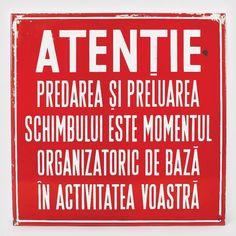 21 dintre cele mai amuzante afișe comuniste din România lui Ceaușescu - VICE Retro, Nostalgia, Education, Signs, My Love, Interiors, Historia, Pictures, Shop Signs
