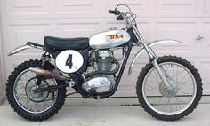 View many of my preferred builds - customized scrambler motorcycles like Motorcross Bike, Norton Motorcycle, Tracker Motorcycle, Motorcycle Dirt Bike, Moto Bike, British Motorcycles, Triumph Motorcycles, Vintage Motorcycles, Custom Motorcycles