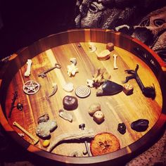 Reading the Bones & Developing Your Own System Traditional Witchcraft, Voodoo Hoodoo, Hedge Witch, Witch Doctor, Witch Aesthetic, Believe In Magic, Book Crafts, Occult, Wicca