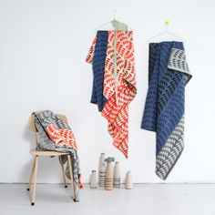 I just discovered the work of dutch textile designer Mae Engelgeer. She works on her own range of interior textiles as well as various collaborations such as the Yeah rug seen in the first picture. Home Design, Textiles, Textures Patterns, Color Patterns, Pretty Patterns, Fluffy Blankets, Woven Blankets, Design Textile, Plaid