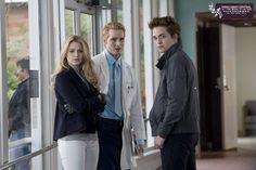 Rosalie, Carlisle and Edward Vampire Twilight, Twilight 2008, Twilight Saga Series, Twilight Edward, Twilight Cast, Twilight Pictures, Twilight Movie, Alice Cullen, Dr Cullen