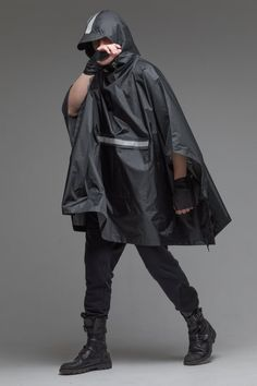 New Camping Style Clothes Etsy Ideas Poncho Raincoat, Rain Poncho, Green Raincoat, Long Raincoat, Raincoats For Women, Jackets For Women, Black Poncho, Vinyl Raincoat, Cyberpunk Fashion